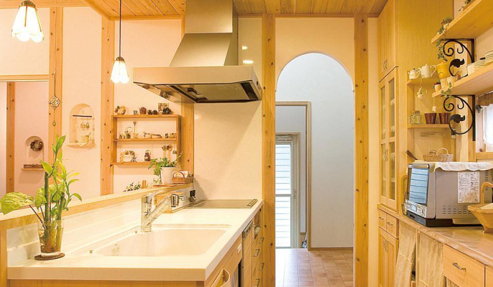 FSC森林認証材で作った家にもみの木で作ったキッチン